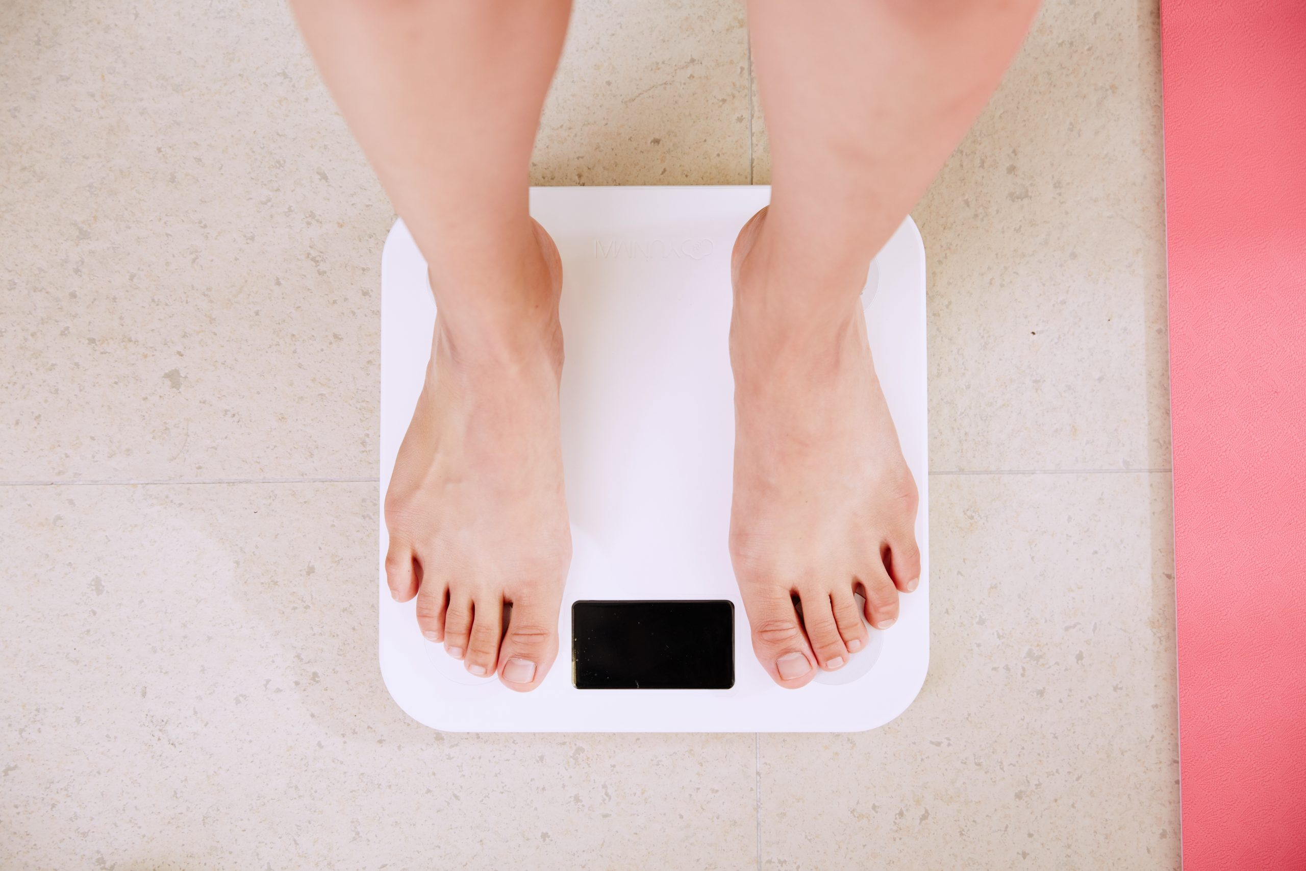 weight gain, pregnancy, scale, feet, first trimester of pregnancy